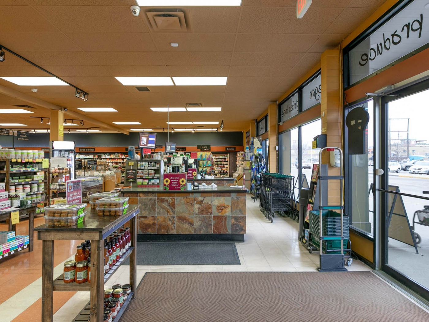 SIMPLY DELICIOUS NATURAL & GOURMET MARKET - VERNON, B.C. is a business for sale in BC.